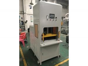 江苏客户定购30吨IMD热压成型机